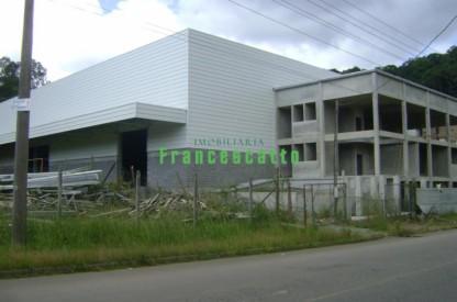 Um Pavilhão Novo com 3.500,00 M2