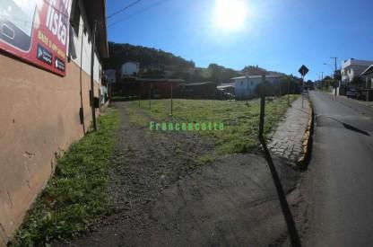 Terreno No São José a Uma Quadra do Centro